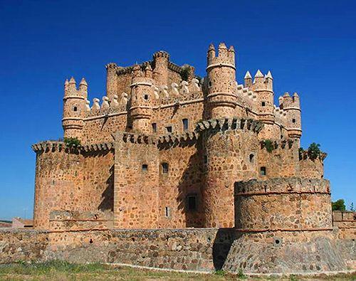 Castle of Guadamur, Province of Toledo, Castile-La Mancha, Spain - http://spainatm.com/story-don-quijote-de-la-mancha/
