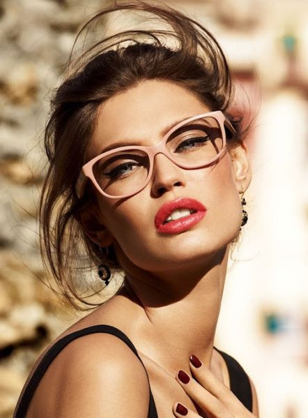 Bianca Balti geek chic glasses
