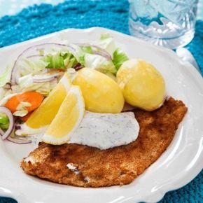 Panerad rödspätta med dillig sås och kokt potatis - Recept - Tasteline.com