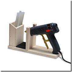 Craftroom wood idea. This is AWESOME!! I gotta have this!!............ein Holzständer für die Heißklebepistole....diy........