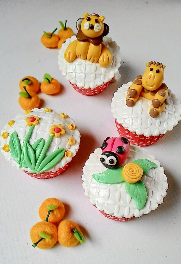 Kuih Maretha: Cupcakes Yellow Theme untuk Dewika and Family