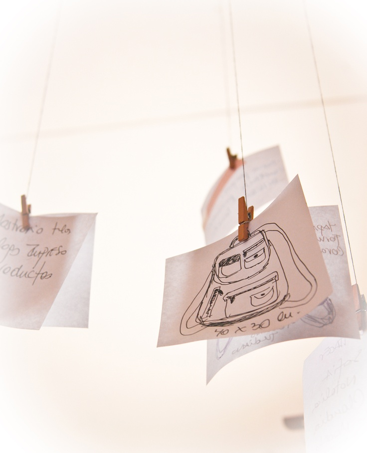 mochila, mochila....carteras, bolsos, billeteras, cinturones......y mucho más en MooNo Atelier