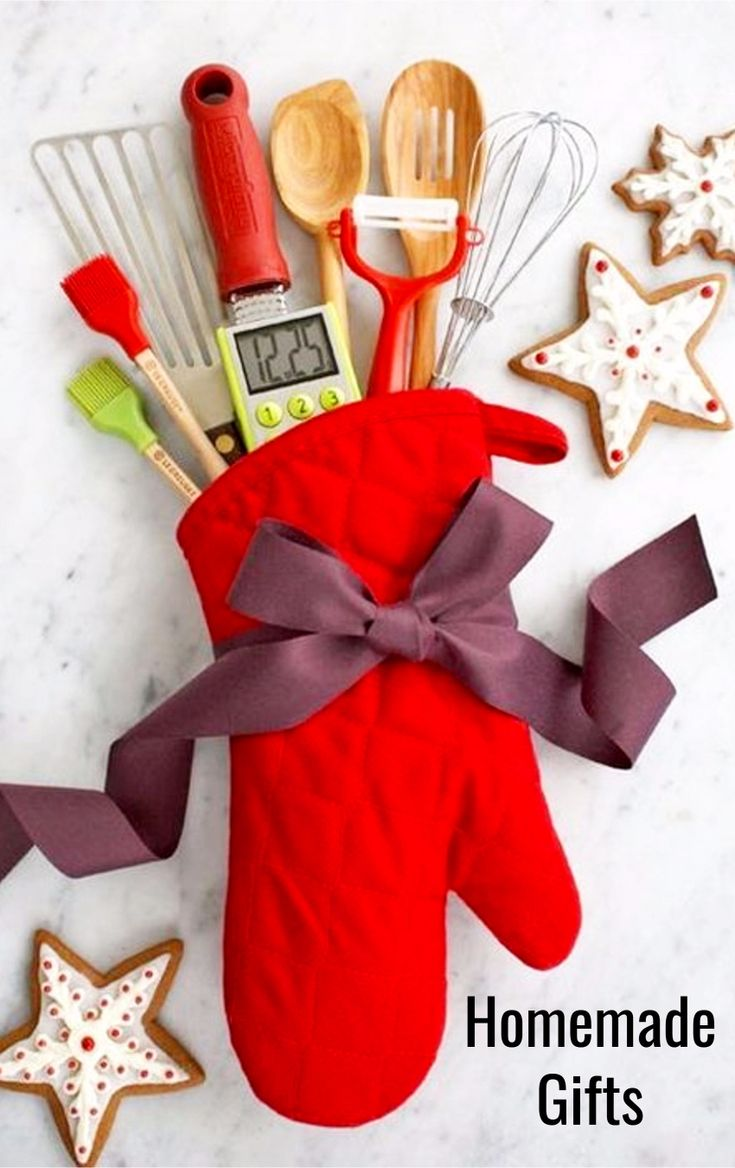 DIY Christmas Gifts • DIY Gifts - Unique homemade gift ideas for Christmas, Birthdays, Mothers Day or any other holiday. Cute gift ideas that make good gifts for friends and relatives - great Last Minute DIY gift ideas too