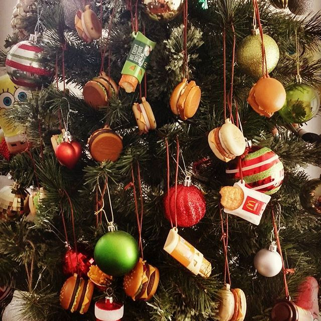 #mcdonalds #burgertime🍔 #burger #burgerchristmas #christmas #christmasdecorations #ornaments #christmasornaments #mcdonaldschristmasburgerdecorations #mcmuffin #quaterpounder #bigmac #hashbrown #applepie #frenchfries #filletofish #coffee #bacona