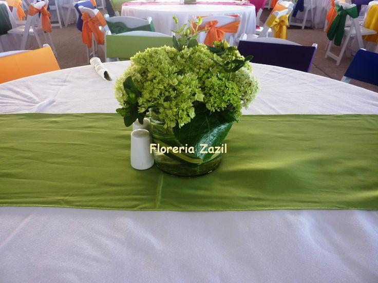 Centro de mesa con hortensia verde nacional