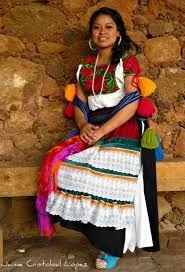 Resultado de imagen para traje tipico de michoacan