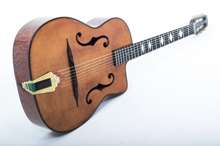 A bit of a mix 'n' match approach tonight. Another strand is 'Gypsy Jazz Guitars'. ❤️🎸