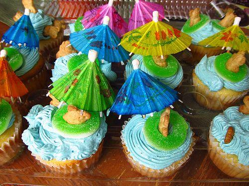 Luau cupcakes | Luau Cupcakes: Two Ways