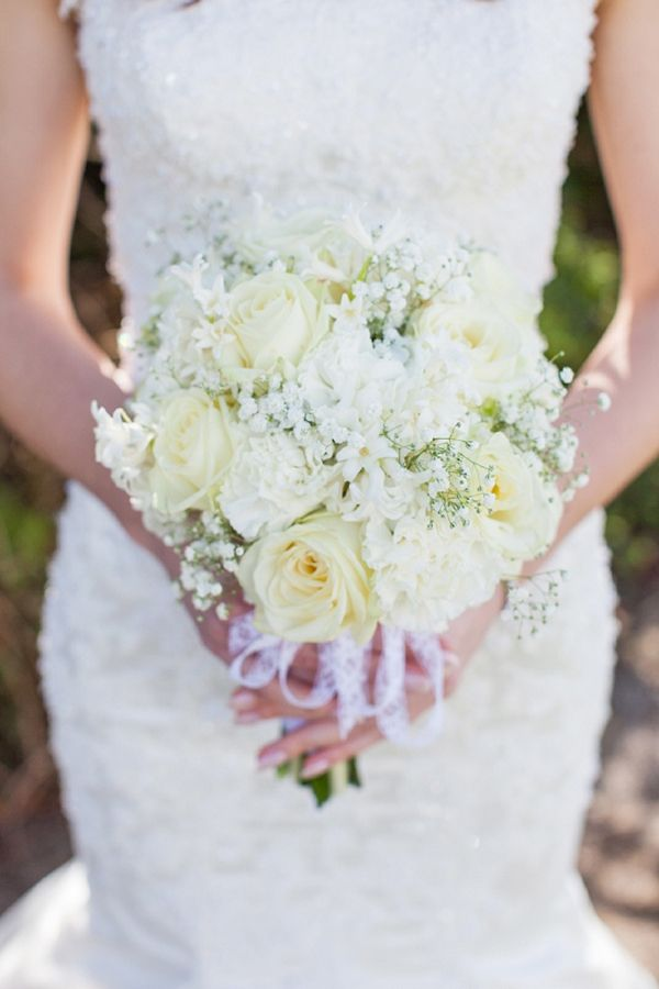 white bouquet, image by http://hayleysavagephotography.co.uk/