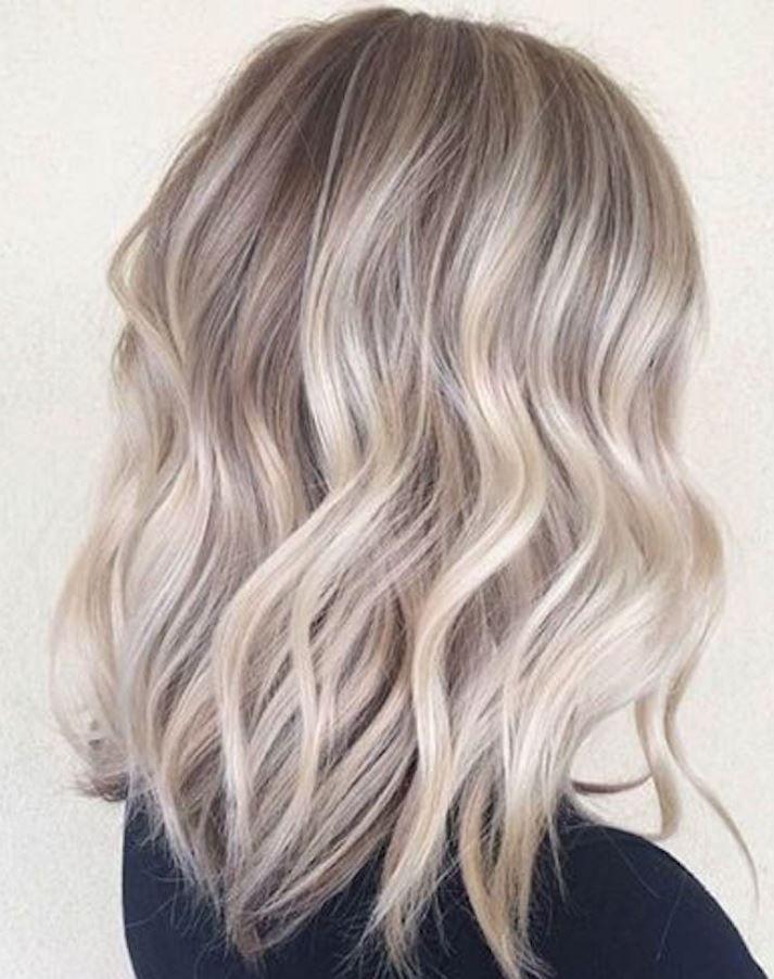 Orta dalgalı saçlar