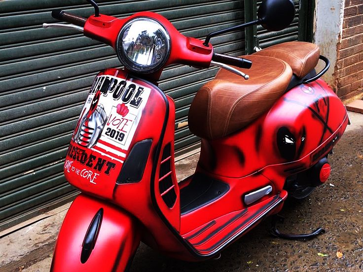Deadpool | Vespa customised by PAZ.