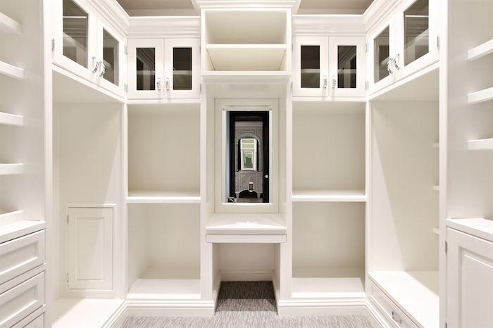 South Barrington Masterpiece – $11,200,000 closet white
