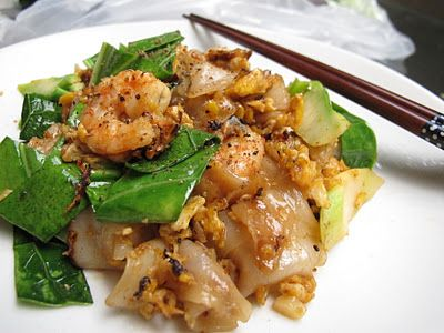 16 best thai recipes images on pinterest thai food recipes thai thai stir fried noodles with sweet soy sauce pad see ew recipe video tutorial forumfinder Images