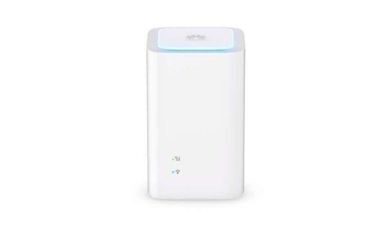 Si bon nombre de citadins ont l'avantage de pouvoir profiter d'une connexion fibre, VDSL, câble ou ADSL, il en existe qui n'ont pas cette chance. Désormais pour eux la solution pourrait donc passer par Bouygues Telecom avec sa 4G BOX. Un modem 4G à trafic illimité!  L'opérateur mobile et fixe... https://www.planet-sansfil.com/4g-box-de-bouygues-telecom-enfin-disponible/ 4G, 4G BOX, Bouygues Telecom, Huawei