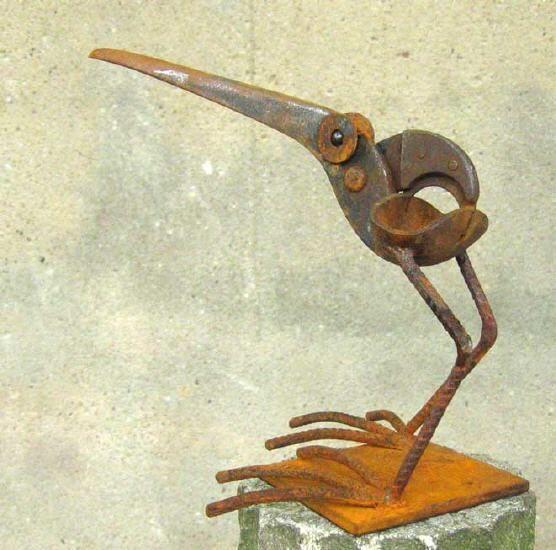 Vogelskuptur aus Stahlschrott von Chris Kircher