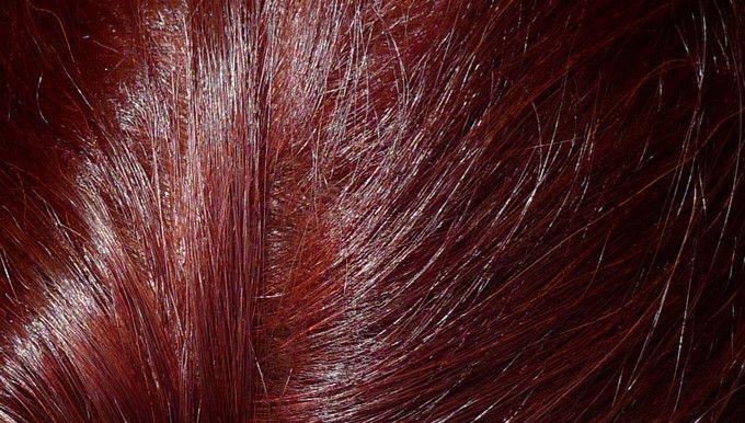 Syoss Oleo Intense – zářivě červená barva na vlasy