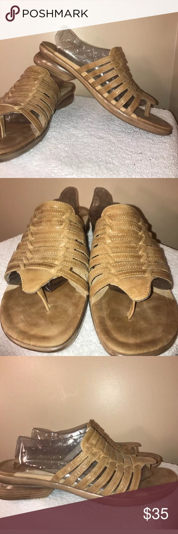 ⚡️FLASH SALE⚡️DANSKO SANDALS! Wooden heel! Sz 42 DANSKO tan leather sandals.  Excellent pre-owned condition. Please see photos.  Size 42!  Thanks for stopping by. Please follow me as I add new items regularly to my closet.   Make an offer or a bundle for additional savings. Dansko Shoes Sandals