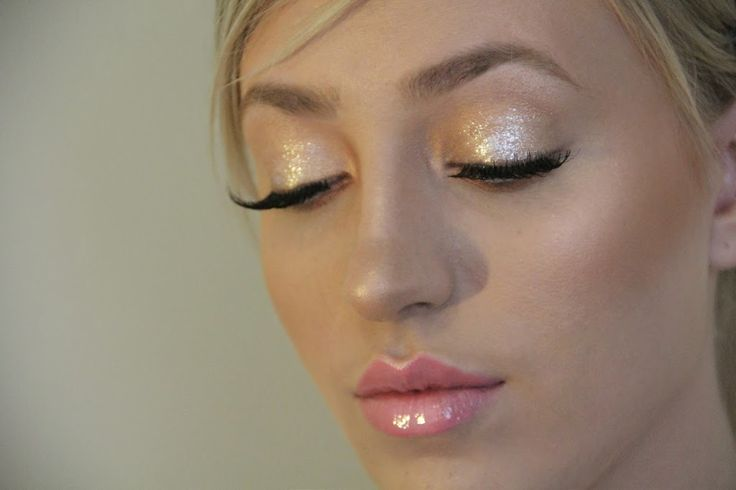 Magnificent Metal Foil Shadow by Stila. Beautiful Soft Glam Makeup For Wedding!