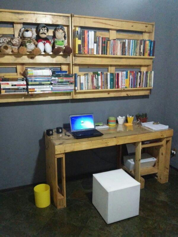 Estantes e mesa para quarto ou escrit rio pallets arte - Mesa para fabricar palets ...