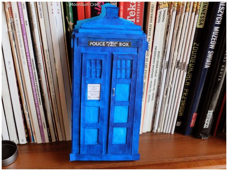 MoonSun Craft: TARDIS box for a card