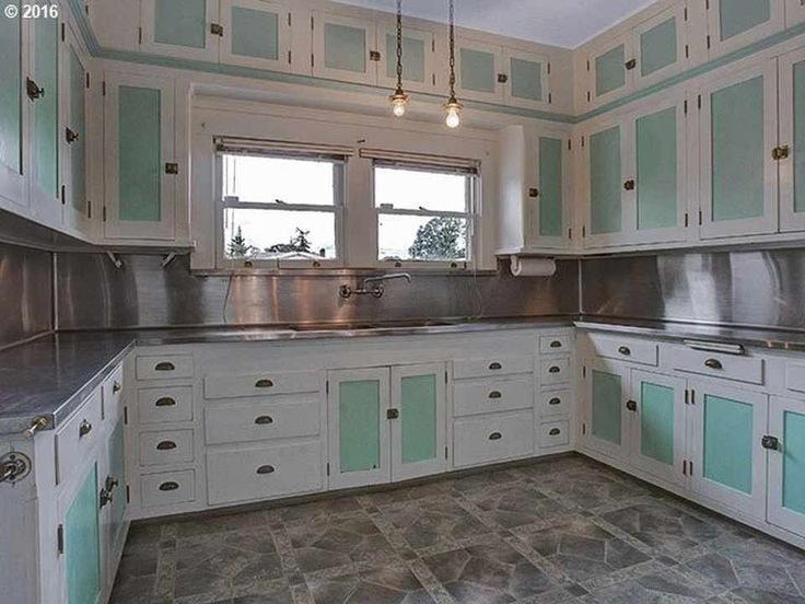 1910 Craftsman – Saint Helens, OR. Originally, my kitchen would have looked something like this, I think.