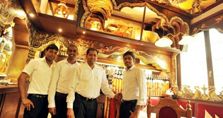 In Stuttgart are 3 Ganesha Restaurants. You can find them in Stuttgart West, East and in Fellbach. They offer many things like vadai and curries.