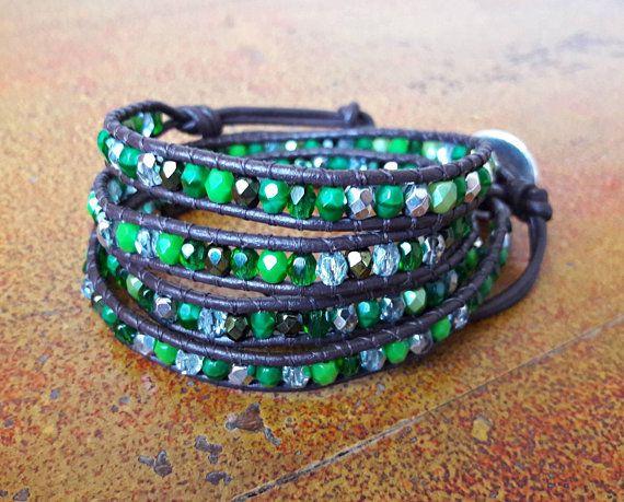 Bracciale donna verde // Bracciale Boho in cuoio // Bracciale wrap in stile Chan luu // Idea regalo per lei