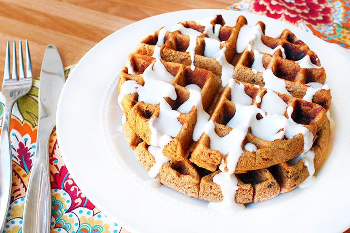 Delicious, protein-packed waffles that taste just like carrot cake! Made with FlapJacked Carrot Spice Mix. 320 calories | 22g protein