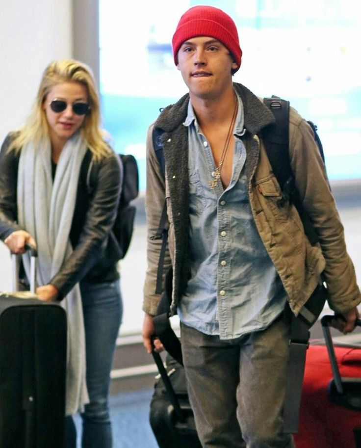 Cole and Lili arriving to Vancouver
