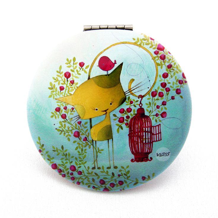 Un reflet coloré! // Miroir de Poche Oiseau en Cavale KETTO Pocket Mirror Bird on the Run // Un miroir régulier. Un miroir grossissant. Fermeture à clip. // One regular mirror. One magnifying mirror. Clip closure. // #MiroirDePoche #PocketMirror #Ketto