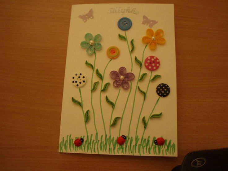 Sommerkort med knapper og quillede blomster