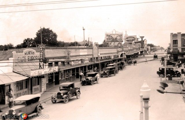 AvenidaGuerrero. NuevoLaredo, Tamaulipas (ca. 1925).