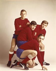 Ajax-footballplayers: Johan Cruijff, Piet Keizer, Sjaak Swart, Klaas Nuninga (1967) by Paul Huf (1924-2002)