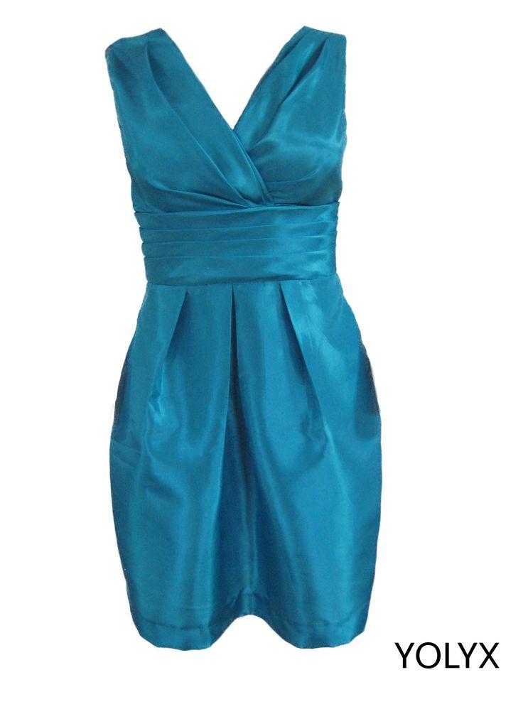 Vestido en tafeta azul cyan.