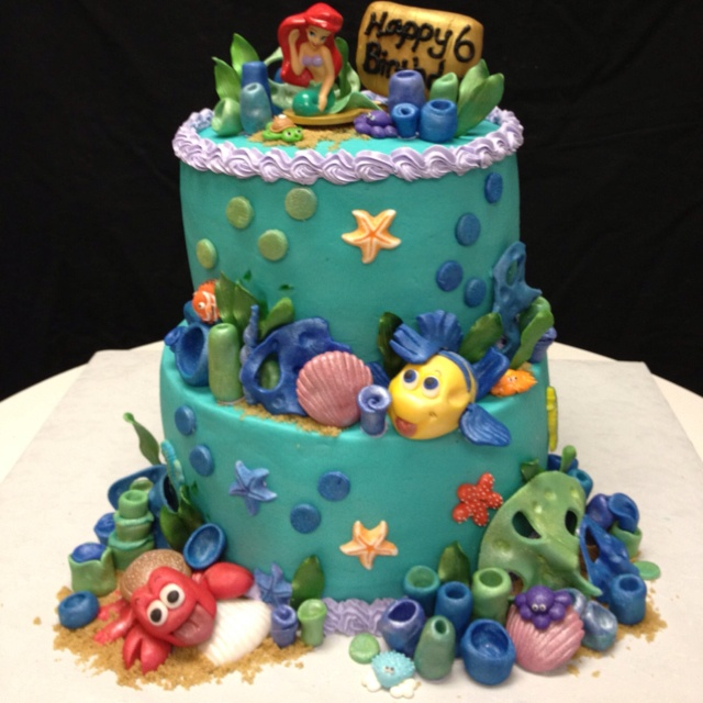The Little Mermaid Cake.  Learn how to create your own amazing cakes: www.mycakedecorating.co.za #disneycake #moviecake #birthdaycake