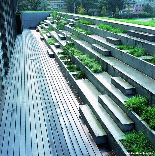 Concrete steps & planters at the Copenhagen Business School by Marianne Levinsen. For more elegant seating visit our Street Furniture board >> www.pinterest.com... #streetfurniture