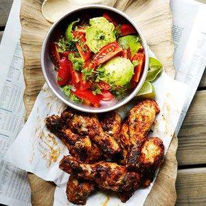 Mexicanske kyllingelår med avocado- og tomatsalat