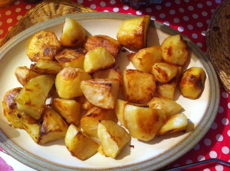 Slimming World: Roast Potatoes:  Easter roasts for the family.  Par boil for 10 mins.  Add baking paper to tray, spray lightly with fry light, add potatoes, spray with fry light and place in oven.  Turn half way through and spray with fry light if needed.  Truly yummy!