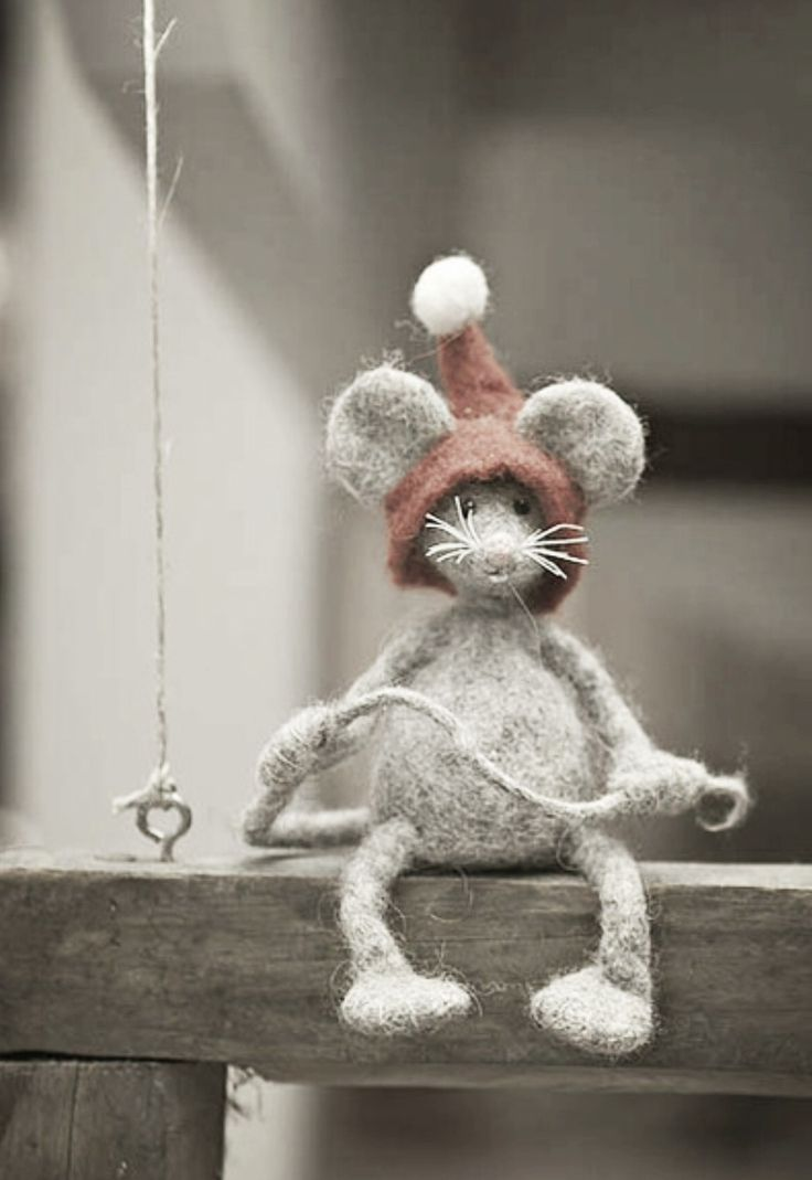 Whimsical and cute. Felted mouse.