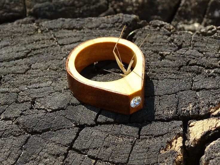https://flic.kr/p/VPp9oV | DSC06911 CR R17004; R17005;  Inel din sticla si lemn unicat;Inel autentic din lemn Made with Swarovski® Crystals; Wooden ring with Swarovski crystal | DSC06935 R17004; R17005;  Inel din sticla si lemn unicat;Inel autentic din lemn Made with Swarovski® Crystals; Wooden ring with Swarovski crystal