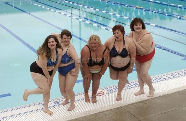 Chubby girls swimming