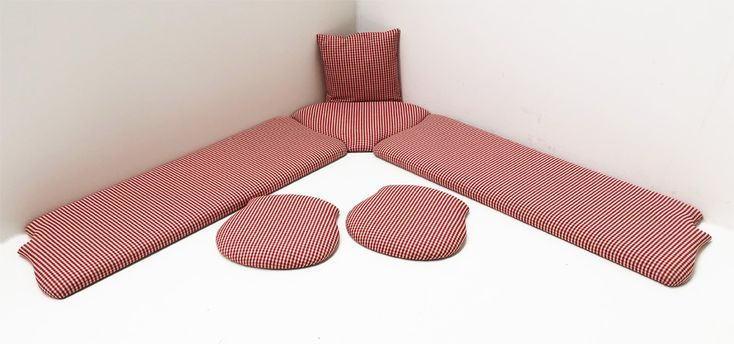eckbank auflagen eckbank polster eckbankgruppe landau polsterplatte attersee 100 karo rot. Black Bedroom Furniture Sets. Home Design Ideas