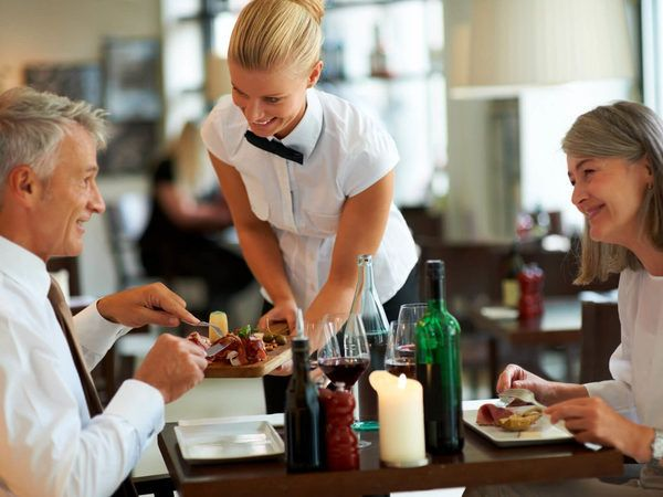 Tipping is standard at restaurants and bars but how much is acceptable? And do you need to tip your hairdresser? We break down gratuities and tipping in America.