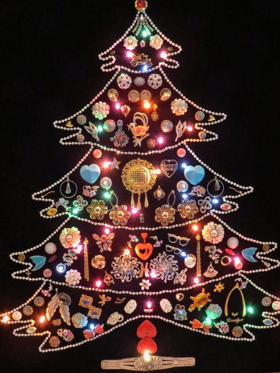 25+ unique Wall christmas tree ideas on Pinterest