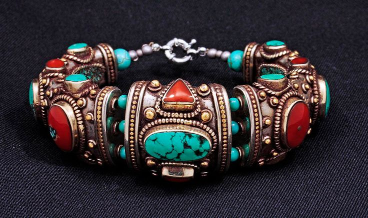 Tibet | Contemporary handmade bracelet from Kathmandu, Nepal | Silver, turquoise, amber resin and apricot coral