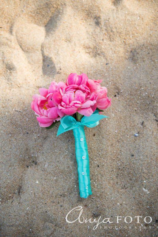 anyafoto.com, wedding bouquet, bridal bouquet, pink bouquet, beach wedding bouquet, pink wedding