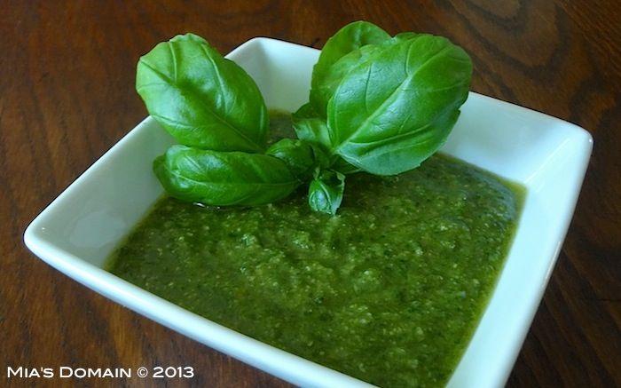 Mia's Domain | Rustic Modern Cuisine: Classic Pesto
