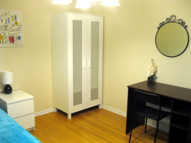 Furnished room (Finch and Hwy404) Students and young professionals are all welcome. 4 months or longer term. Available April 1.  Furnished room. Utilities and High Speed Internet included. Walking distance to Seneca College. Also close to Chiropractic, Naturopathic colleges, 404 HWY, TTC bus stop, grocery stores, community... https://senecacollege.offcampuslistings.com/ads/furnished-room-finch-and-hwy404/