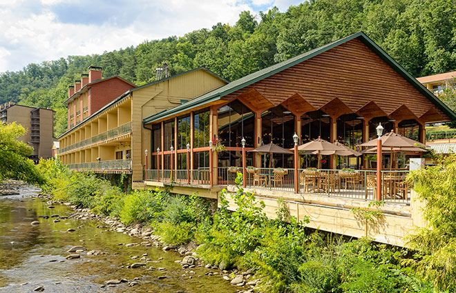 Family friendly River Terrace is located in downtown Gatlinburg next to Ripley's Aquarium and near Wild Bear Falls, Dollywood & Smoky Mountains National Park.