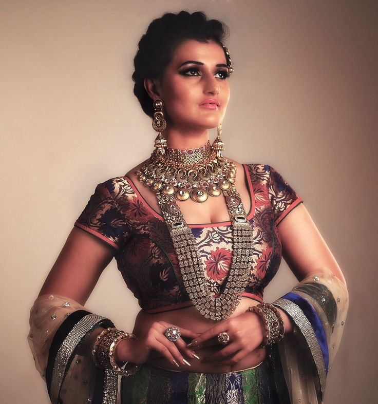 #bridal #jewellery #campaign #shoot #neelkanth #model #priyankaarora   #makeup @seematabassum #adagency #greyapple